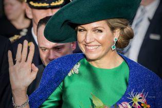В ярком образе и с изумрудными украшениями: королева Максима на открытии ярмарки