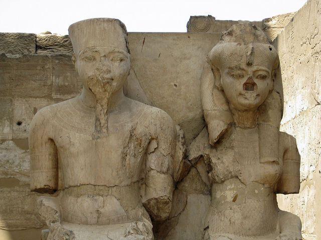 статуя Тутанхамон та Анхесенамон, Єгипет