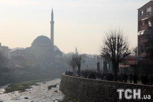 США не заперечуватимуть обмін територіями між Сербією і Косовом – Болтон