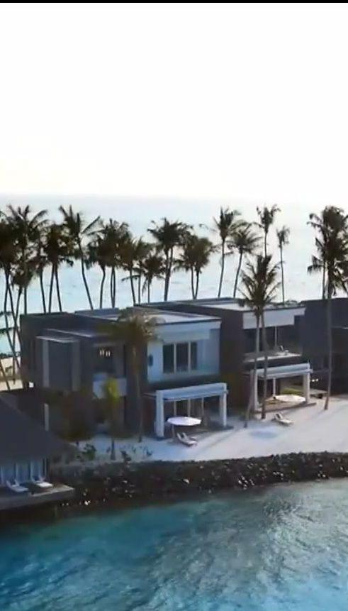 Журналісти з'ясували, у яку суму Порошенку обійшлася відпустка на Мальдівах