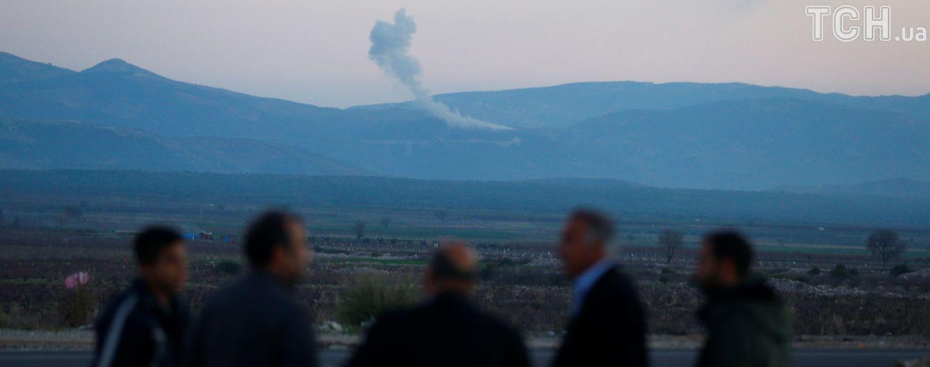 """Турецька артилерія розпочала операцію """"Оливкова гілка"""", рівняючи з землею позиції курдів у Сирії"""