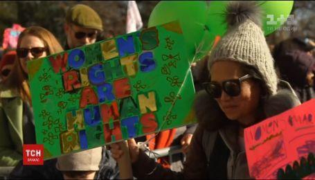 Тысячи женщин вышли на акции протеста против политики Трампа