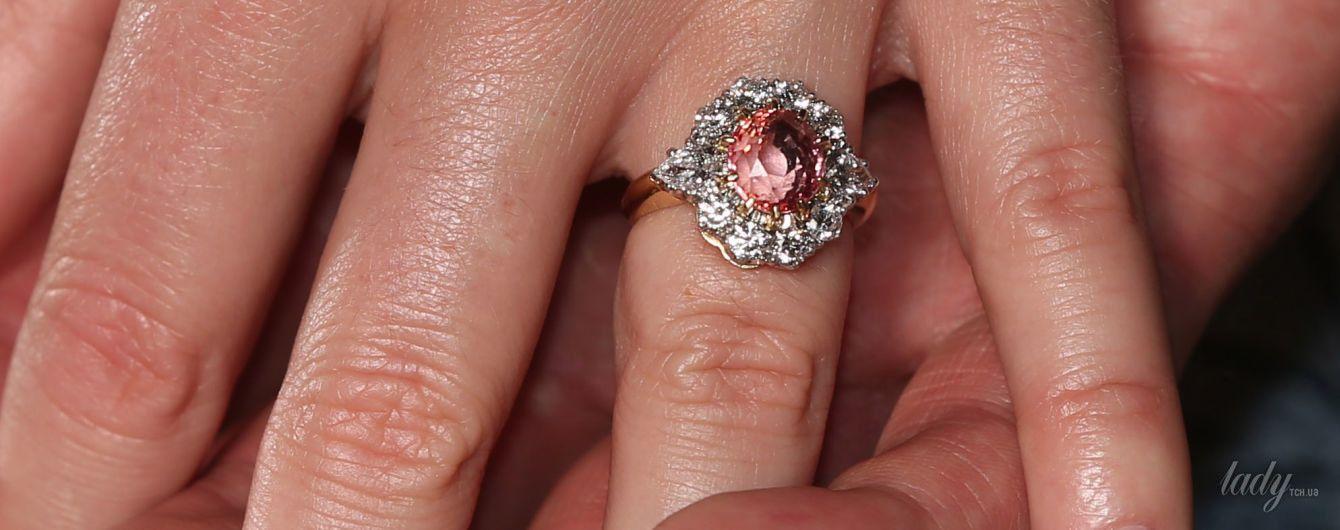 Так похожи: помолвочное кольцо принцессы Евгении сравнивают с кольцом ее матери