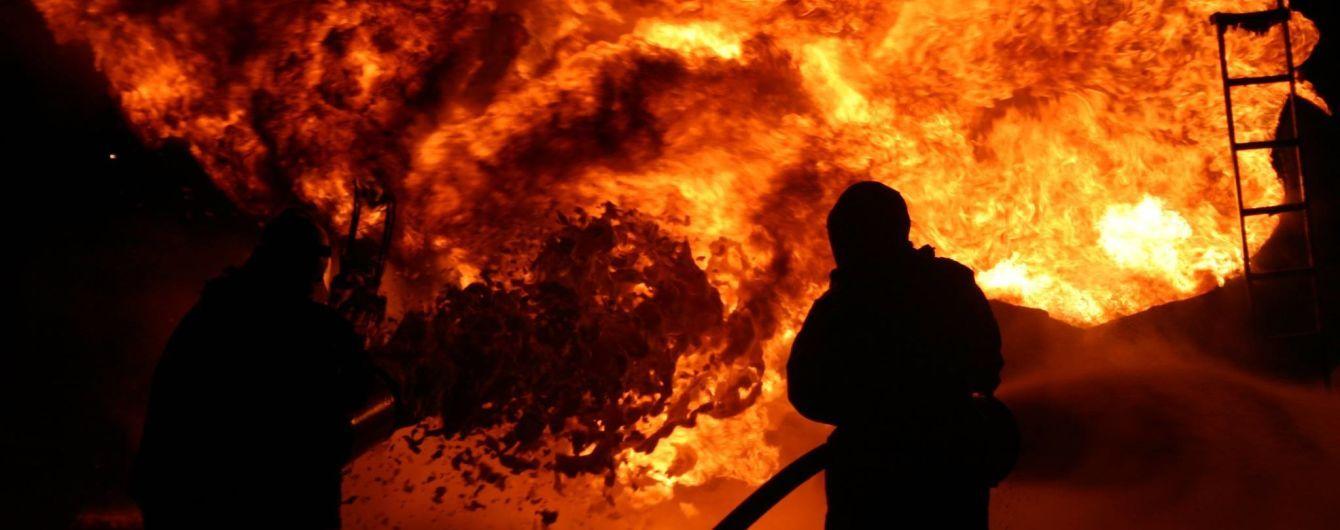 В Николаевской области на военном полигоне во время пожара погиб боец, еще семеро получили ожоги