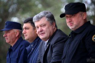 Порошенко уволил Турчинова, суд снял судимость с Лозинского. Пять новостей, которые вы могли проспать