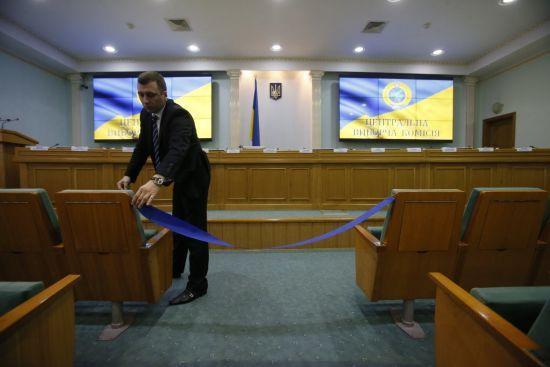 У ЦВК розповіли, скільки кандидатів знялися з виборів