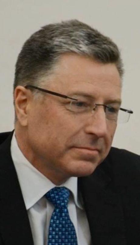 Порошенко со спецпредставителем США Куртом Волкером обсудили введение миротворцев