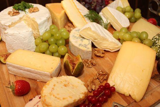 Україна подвоїла імпорт сирів