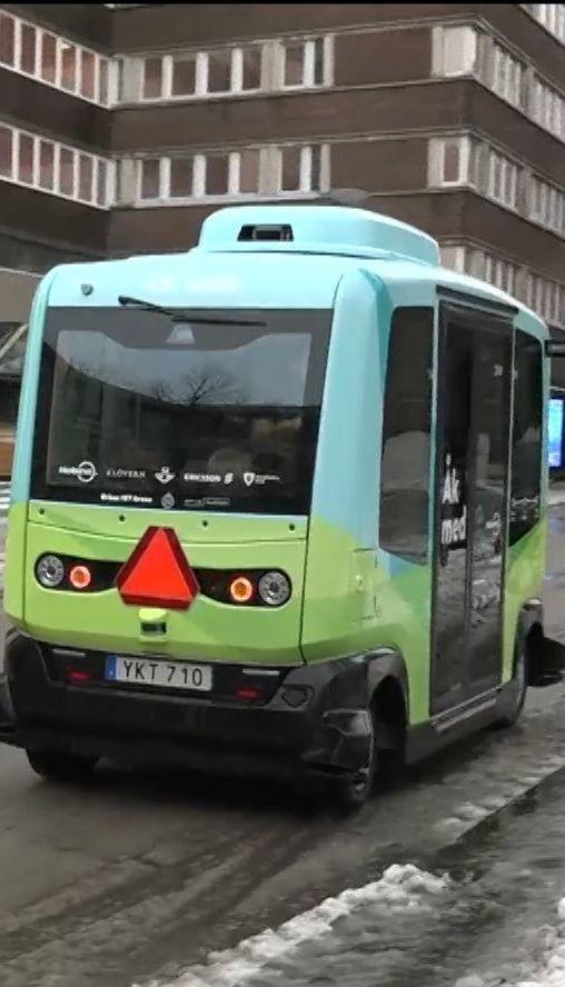 В Стокгольме запустили бесплатный автобус без водителя