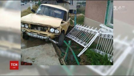 На Одещині водія, який збив трьох бабусь на лавці, засудили до 8 років за ґратами
