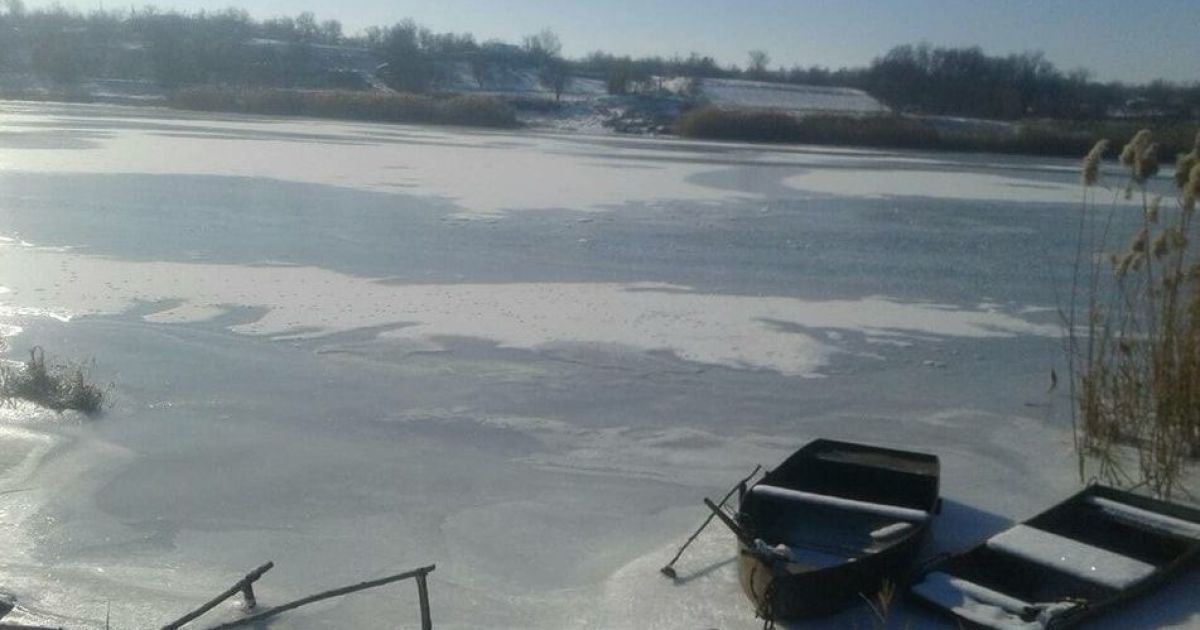 На Миколаївщині чоловік хотів скоротити шлях додому, провалився під лід та загинув