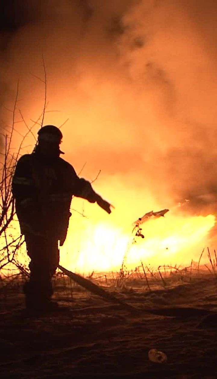 """Вертолет врезался в телебашню и загорелся. Видео """"Кременчугских новостей"""""""