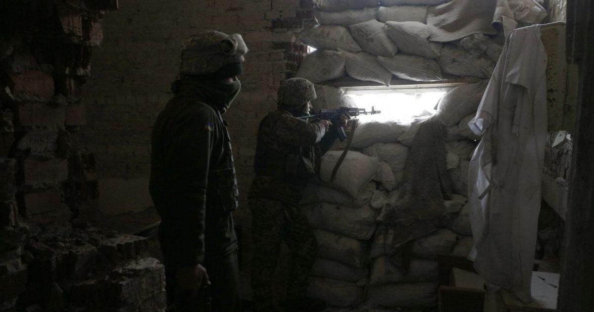 После суток перемирия боевики снова начали стрелять из оружия – убили украинского бойца