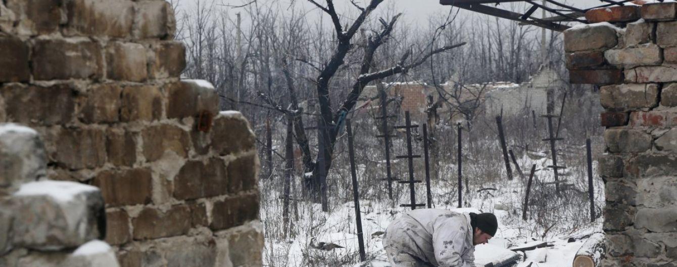 На Донетчине боевики обстреляли поселок: перебиты линии электропередач и повреждены здания