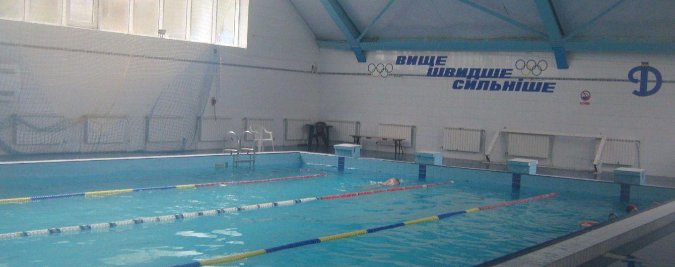 Во Львове назвали предварительную причину смерти девочки, погибшей в бассейне на глазах у матери