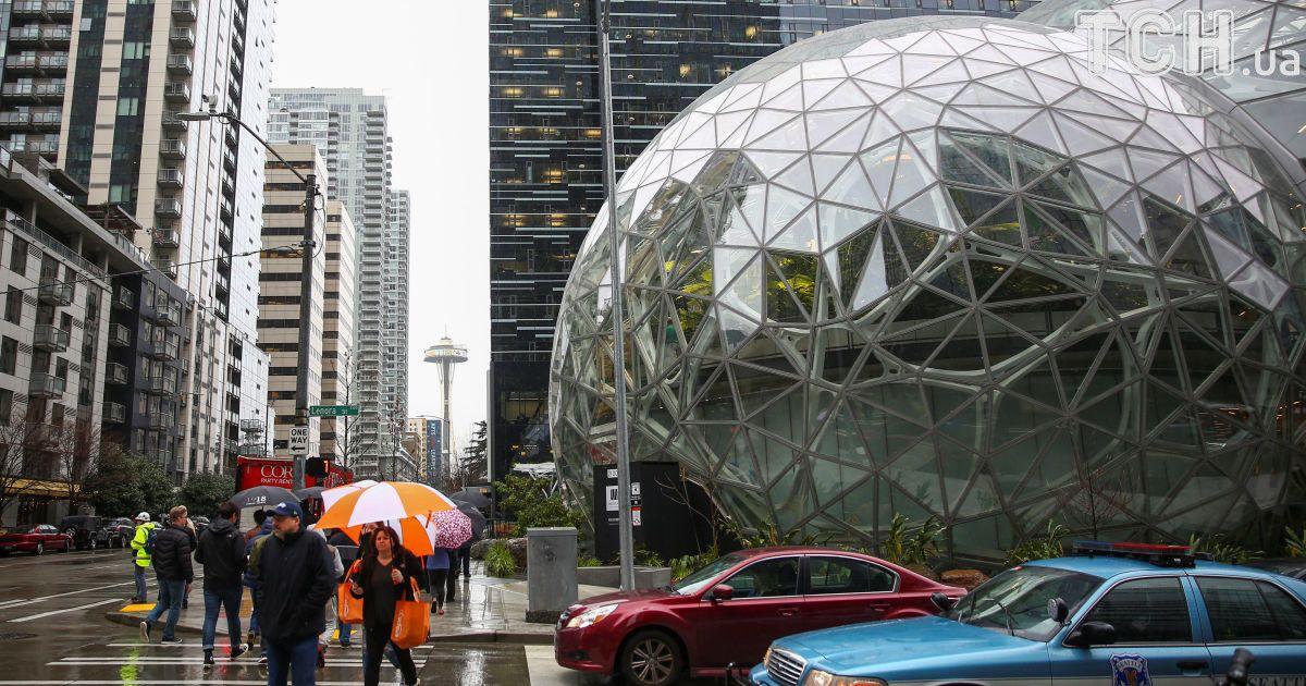 Працівників Amazon зловили нахабарях