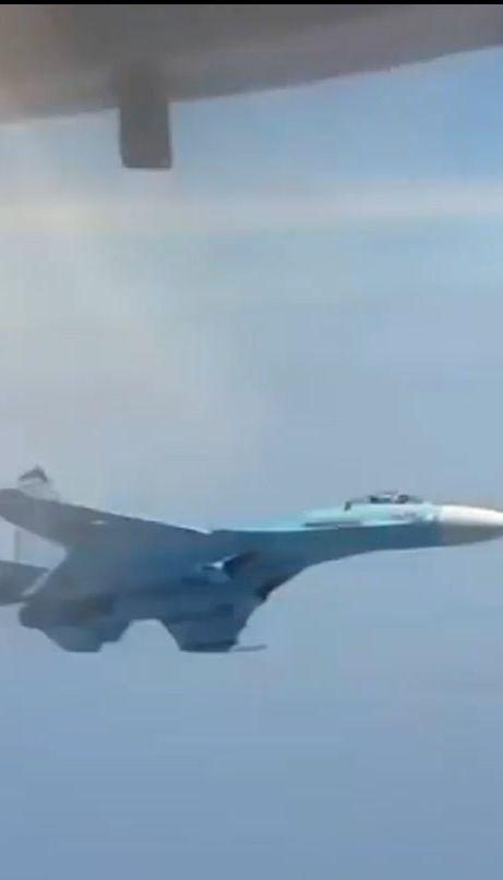 США отреагировали на опасный перехват Россией самолета над Черным морем