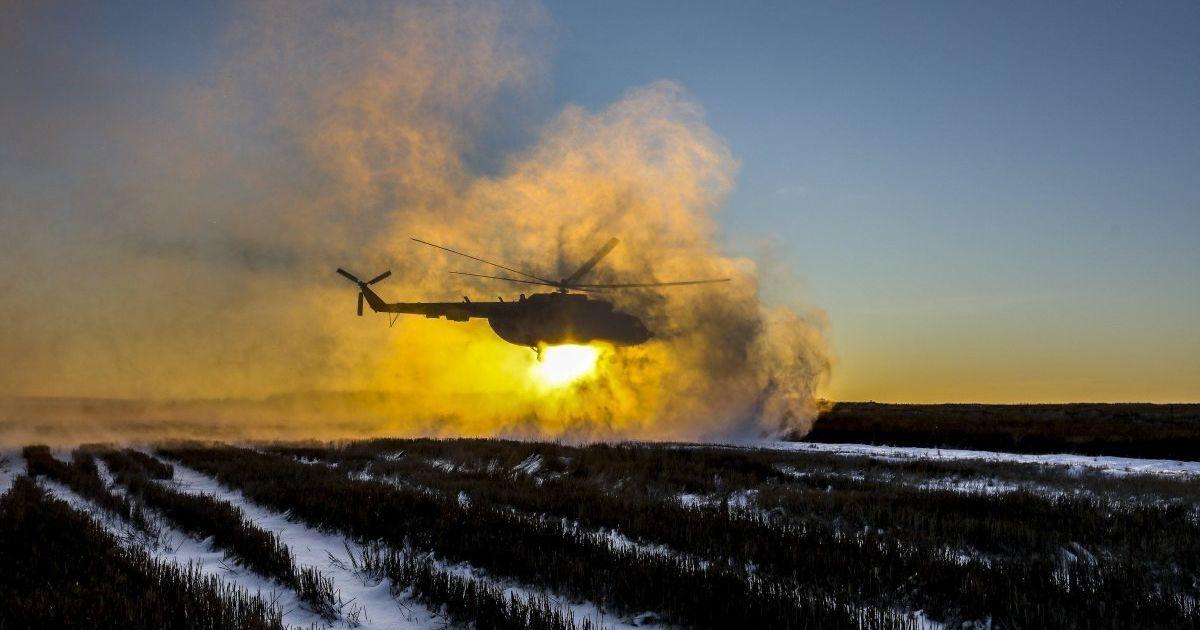 Украинскую границу усилят боевой техникой и спецподразделением вертолетов