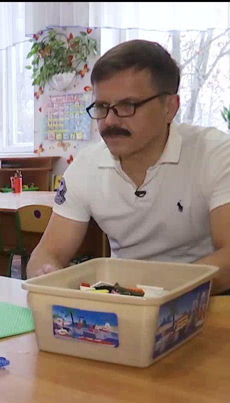 Мэр Житомира примерил на себя роль усатого няня ради эксперимента ТСН