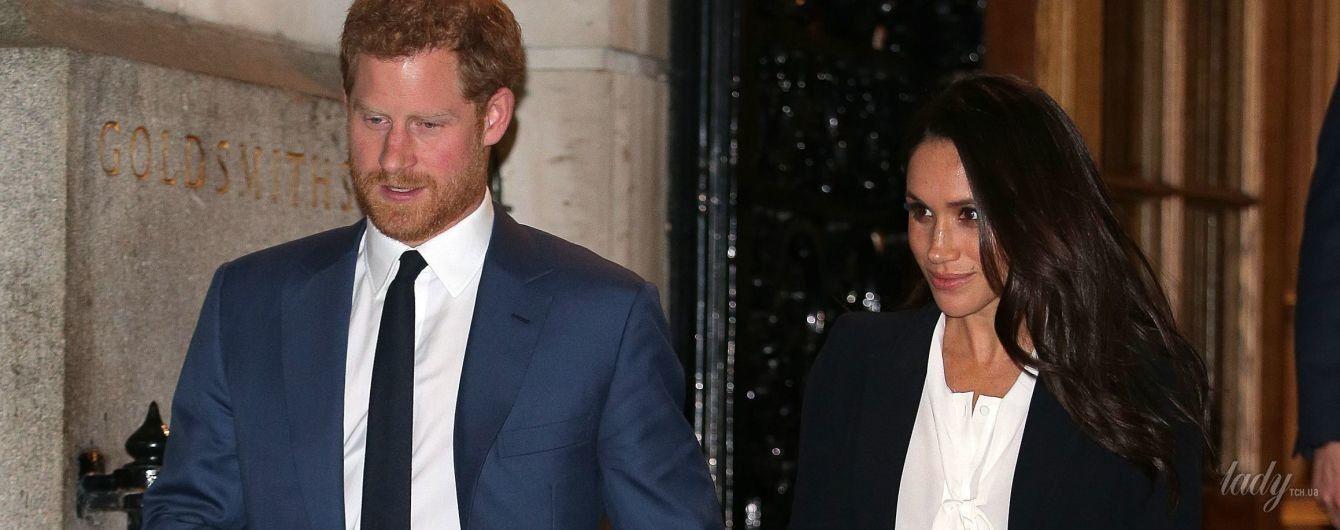 В костюме от Alexander McQueen и на шпильках: Меган Маркл с принцем Гарри впервые вышла на красную дорожку