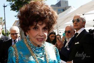 Дождалась: 90-летняя Джина Лоллобриджида в ярком платье получила именную звезду