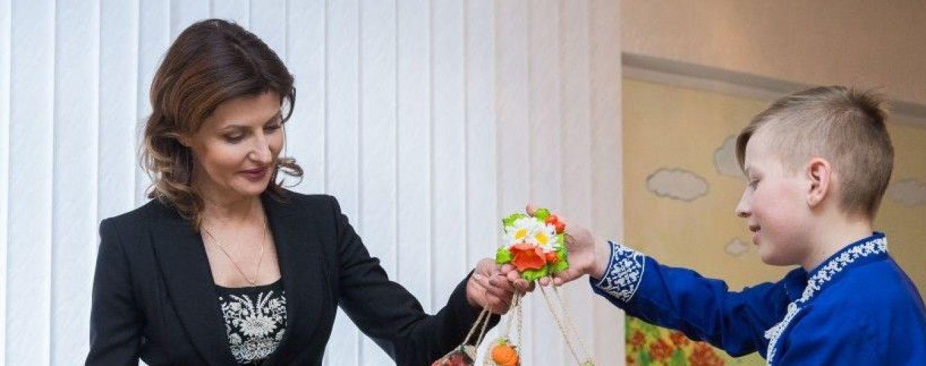 Марина Порошенко в элегантном костюме побывала на Житомирщине
