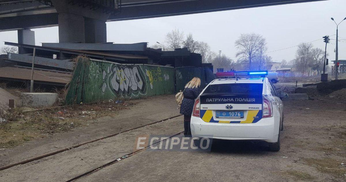 С Дарницкого моста в Киеве прыгнул пьяный мужчина