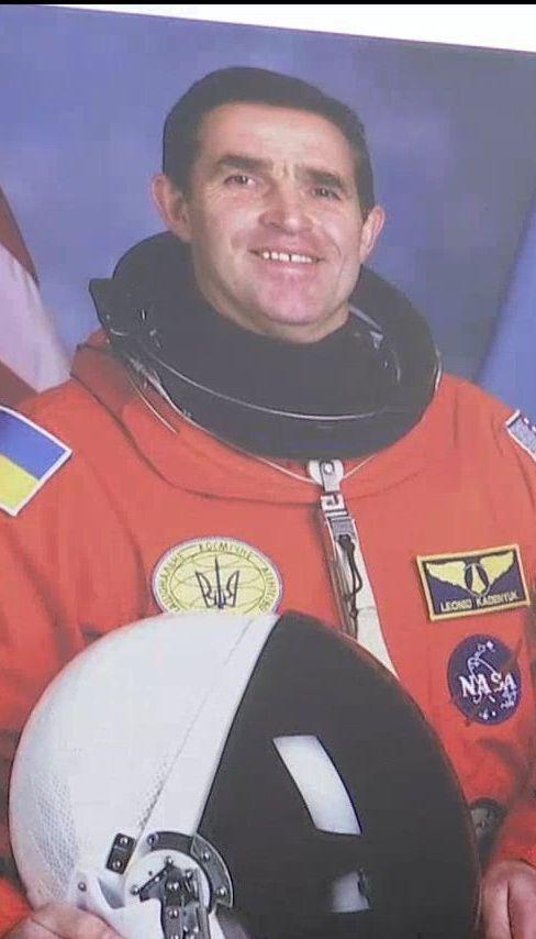 В Киеве попрощались с легендарным украинским космонавтом Леонидом Каденюком
