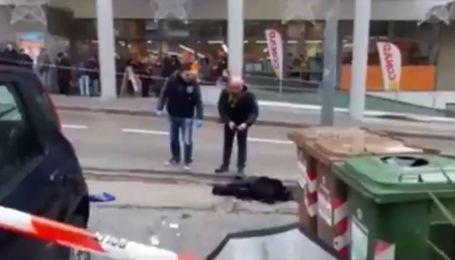 В итальянском городе Мачерата неизвестные открыли огонь по прохожим: пострадали иностранцы