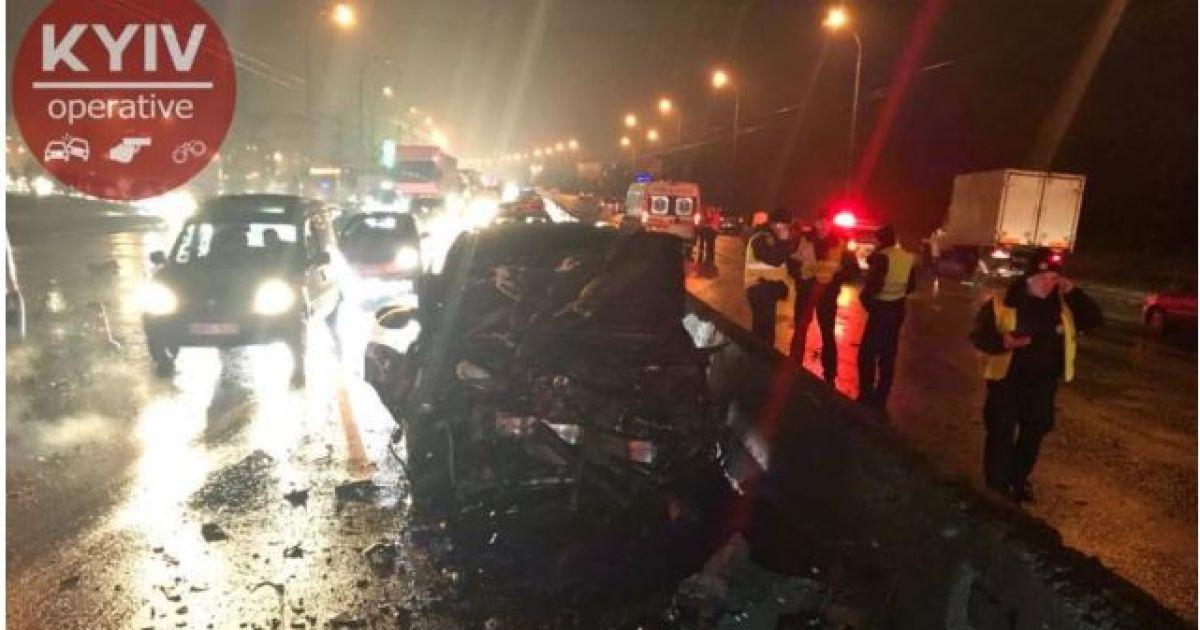 В полиции рассказали подробности масштабного ДТП в Киеве, в котором погибло двое людей