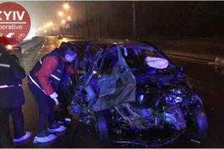 Масштабное ДТП в Киеве. Mercedes разбил четыре машины, убегая от полиции
