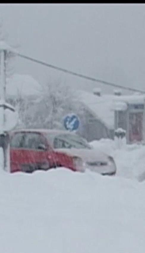 Метели вызвали снежный коллапс в России и Европе