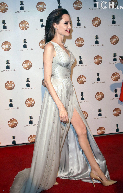 Анджеліна Джолі на премії Annie Awards_1