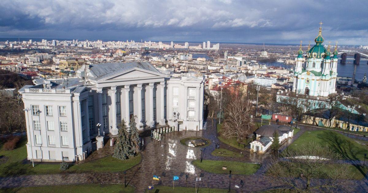 В Минкульте подготовили иск против МАФов московского патриархата возле Десятинной церкви в Киеве