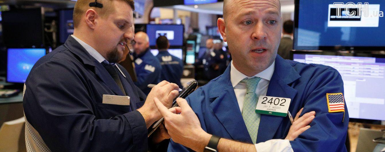 Новий обвал на фондовому ринку США: Dow Jones впав на понад тисячу пунктів