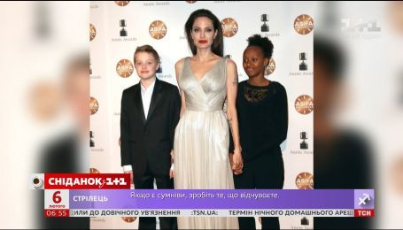 Анджелина Джоли пришла на премию Annie Awards вместе с дочерьми