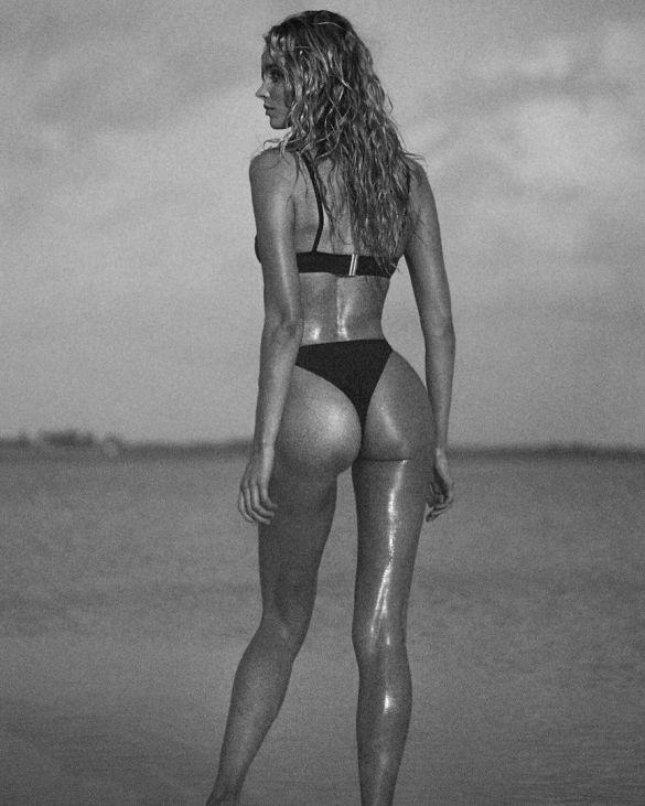 Модели в рекламе купальников Solid & Striped Swim_9