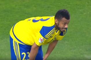 Щасливчик року: арабський футболіст забив шедевральний гол у свої ворота