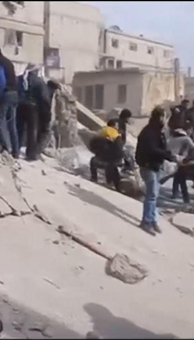 Сирийские правительственные войска осуществили сокрушительный обстрел жилых домов, погибли люди
