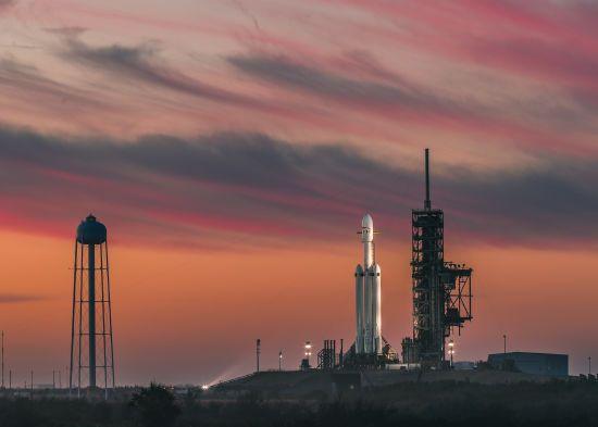 Перший ступінь ракети Falcon 9 довелося приводнити після запуску Dragon до МКС