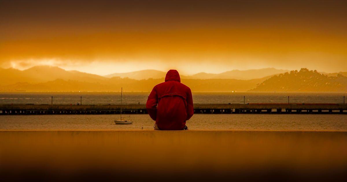 """""""Ничто"""", """"абсолютно"""", """"жалкий"""": какие слова в речи человека свидетельствуют о депрессии"""