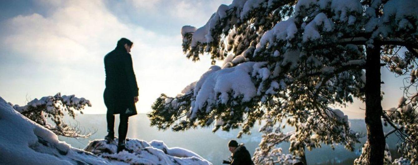 """Морозы, заснеженные горы и ветер, вырывающий из рук микрофон: """"Друга ріка"""" выпустила атмосферное видео"""