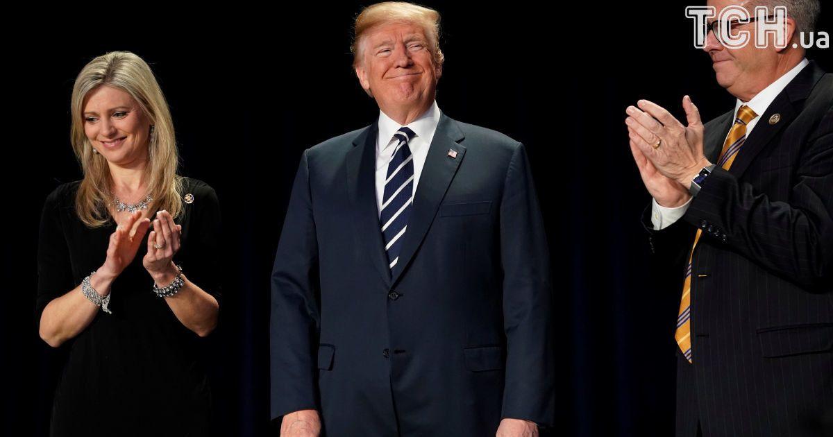 Усі вітають Дональда Трампа. @ Reuters