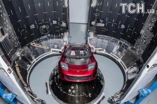 Запущенную в космос Tesla внесли в список спутников