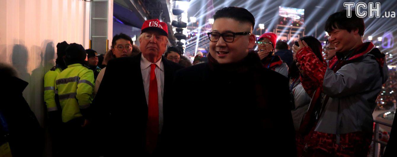 """Двойники Трампа и Ким Чен Ына """"пошумели"""" на открытии Олимпиады, их выгнали со стадиона"""