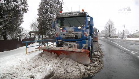 """Чистий шлях: у дорожній фірмі """"ПБС"""" розповіли про успішне очищення доріг у снігопади"""