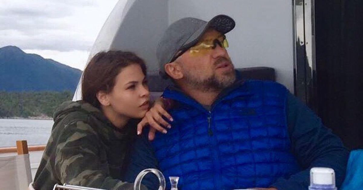 Дерипаска відсудив мільйон рублів у скандальних Насті Рибки та Алекса Леслі