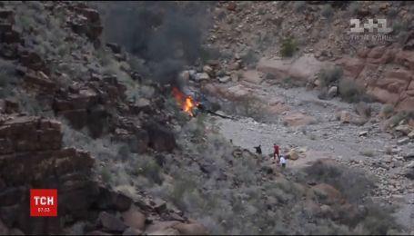 В США туристический вертолет разбился в Большом каньоне, есть погибшие