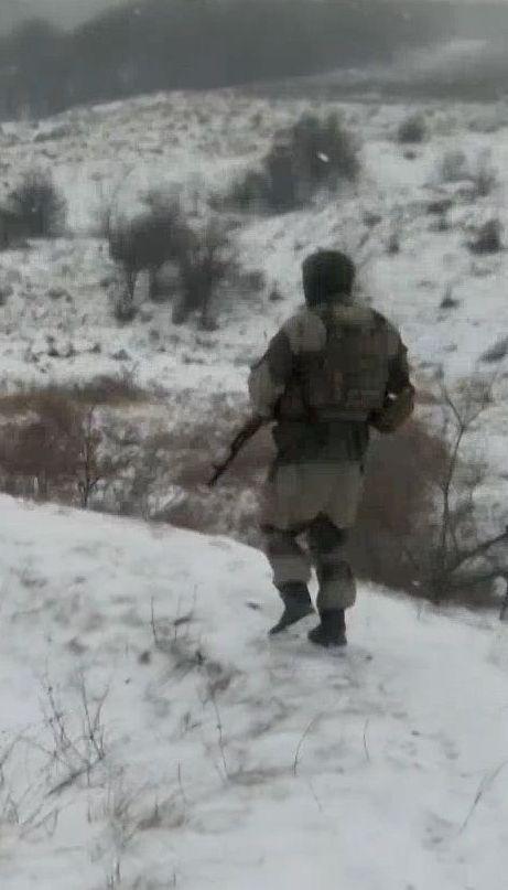 На фронте боевики палят из минометов запрещенного калибра