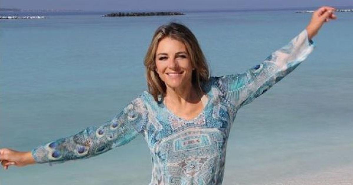 52-летняя Лиз Херли показала почти обнаженную грудь своим поклонникам